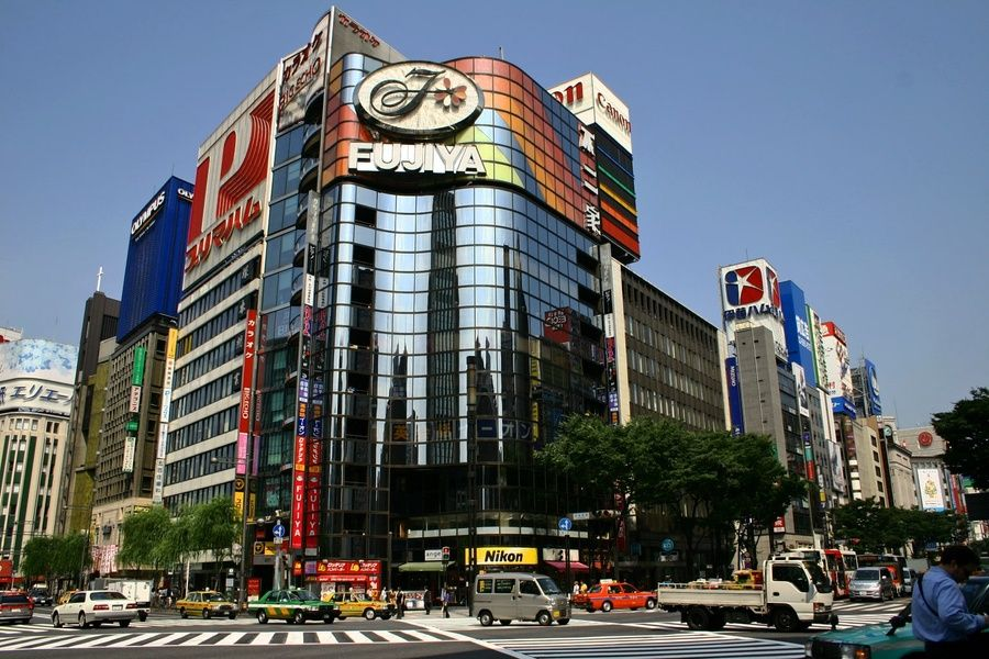 The Ginza shopping district is one of the best Tokyo sightseeing spots