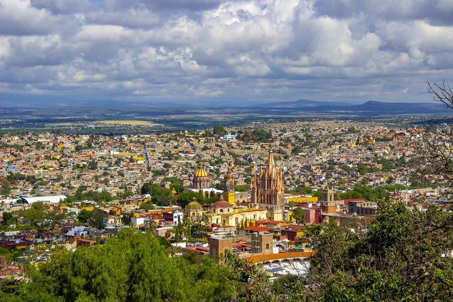 The neighborhoods are beautiful in Mexico City travel