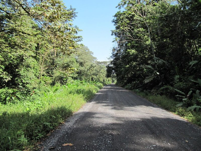Knowing how to navigate the roads is an important part of Costa Rica transportation