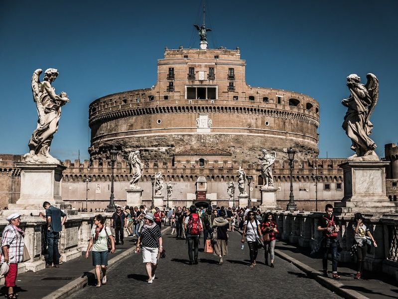 Where to stay in Italy if you love ancient history and good food? Rome, of course!
