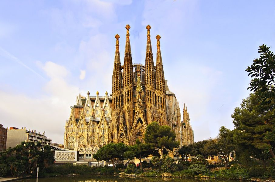 Visiting La Sagrada Familia is an awesome thing to do in Spain