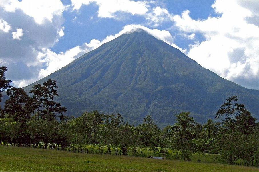 Where to stay in Costa Rica for proximity to volcanoes? Alajeula Province