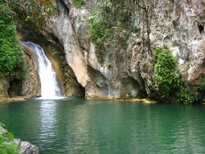 Beautiful green waters, waterfall and mountains things to do in Trinidad Cuba
