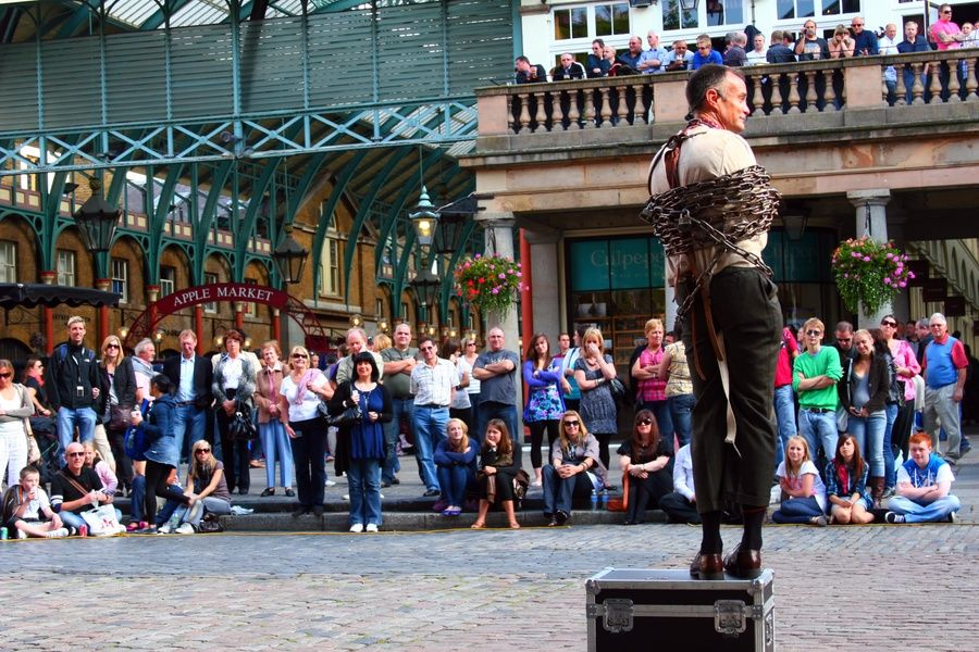 Catching a free performance at Covent Garden is a cool thing to do in London