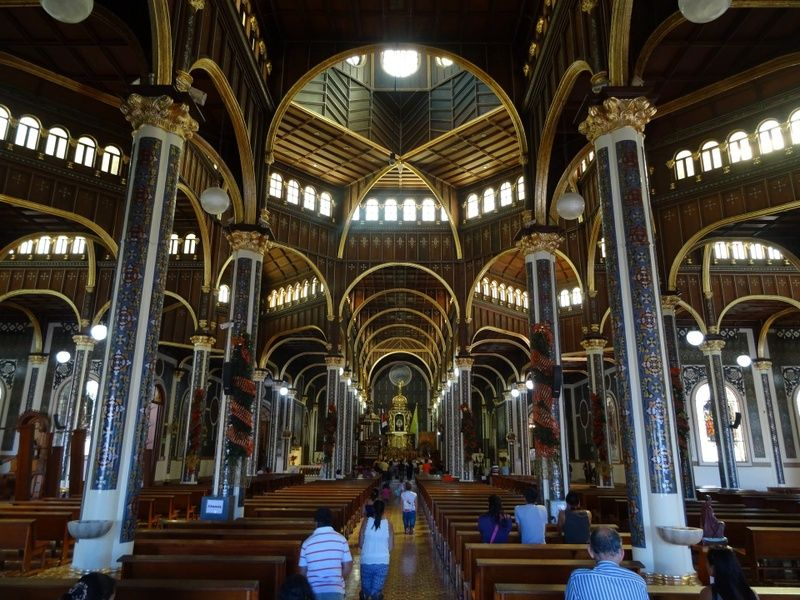 Where to stay in Costa Rica for incredible churches? Cartago