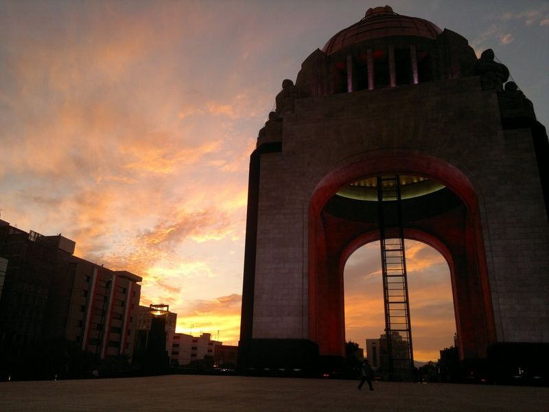 Monumento de la Revolucion offers spectacular views, especially at sundown
