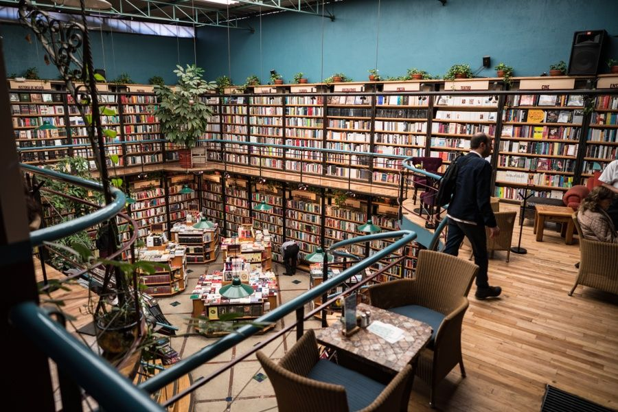 El Pendulo is perfect for the literary inclined—the combo of books and brunch make it one of Mexico City's best restaurants