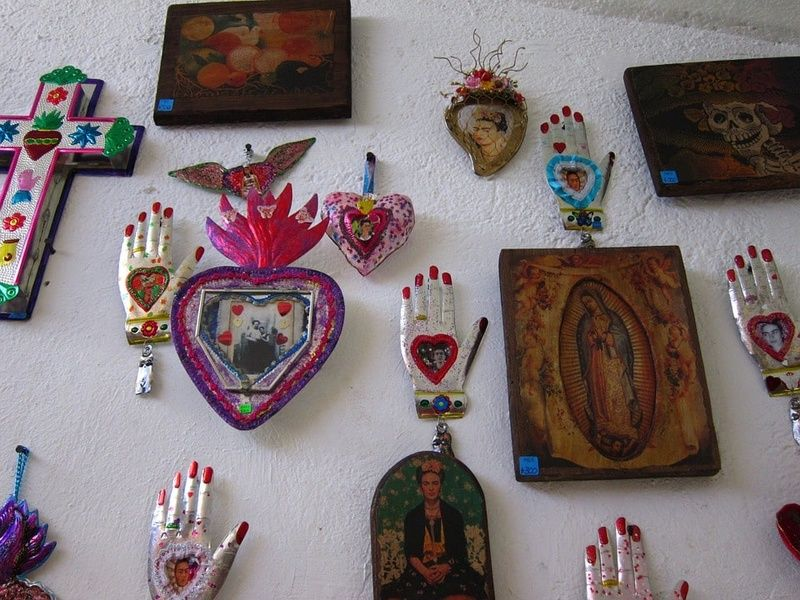 Seeing the Frida Kahlo Museum is one of the best things to do in Mexico City