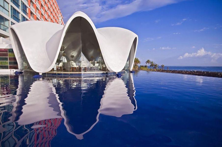 La Concha Renaissance San Juan Resort is a Puerto Rico beach resort with character and class