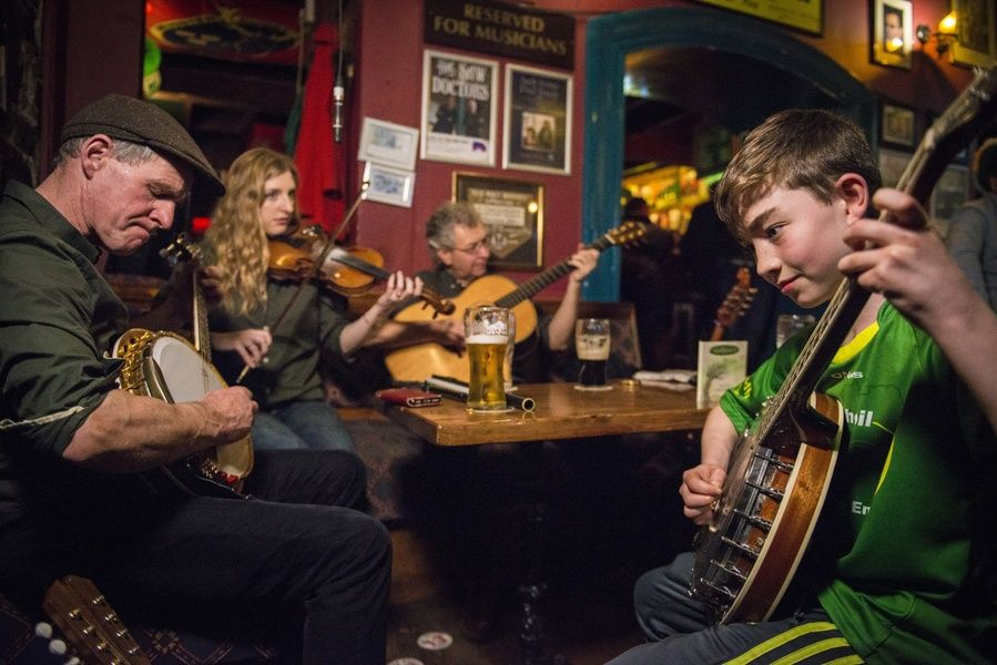 Listening to live Irish music at Dolan's Pub is a great thing to do in Ireland