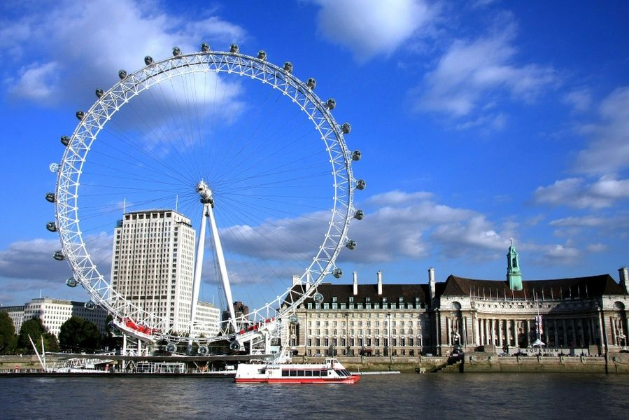 The majestic London Eye is a great place to visit in London