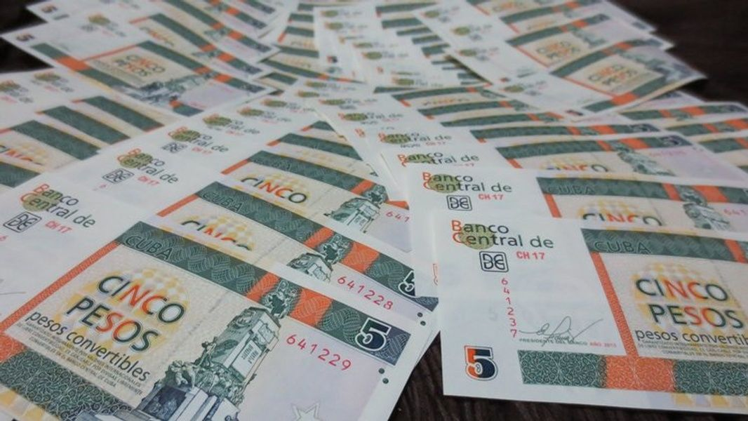 Cash Bring to Cuba