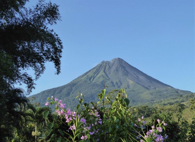 Visiting the Arenal volcano is one of the coolest things to do in Costa Rica