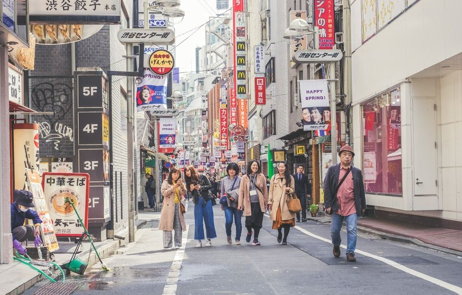 When it comes to Japan travel guides, local guides are the best option