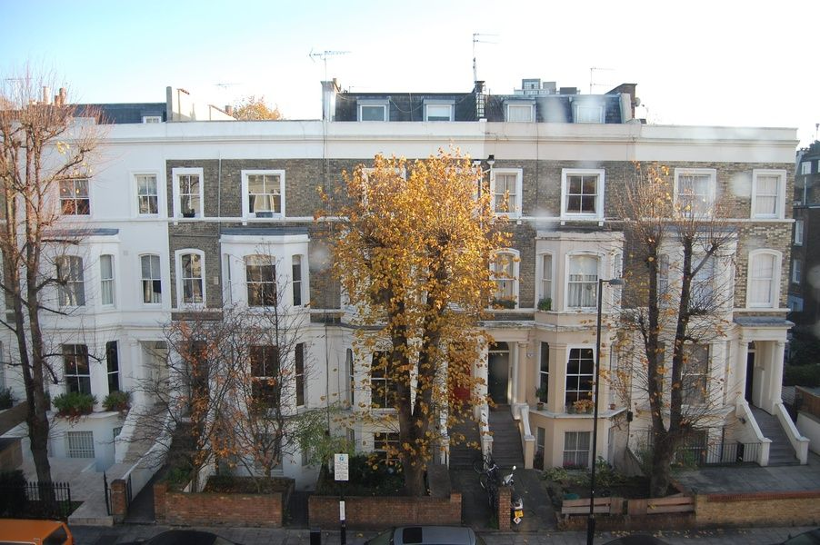 Notting Hill is where to stay in London if you want to stay in a charming neighborhood