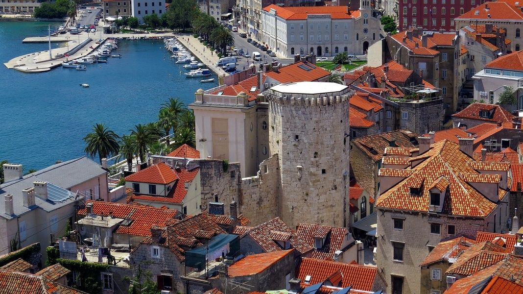 Where to stay in Croatia for sea, sun, and amazing architecture? Spilt