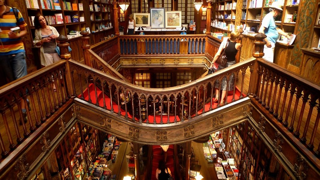 Visting Livraria Lello is an amazing thing to do in Portugal