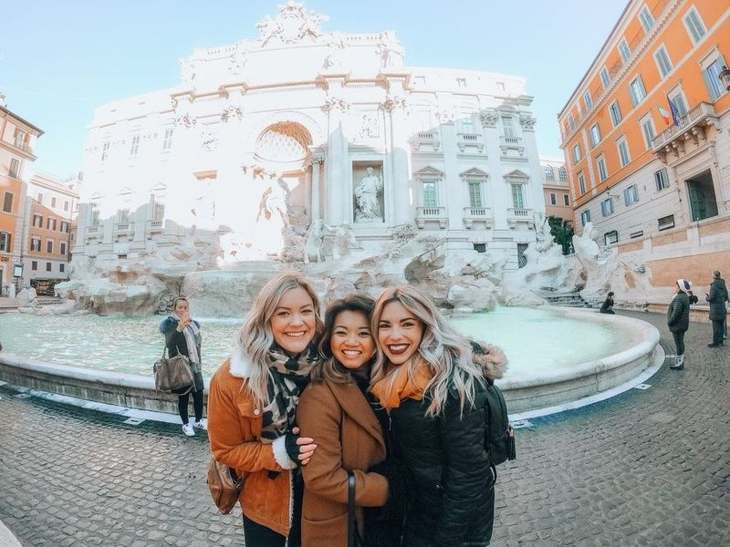 Trevi Fountain Things To Do in Italy