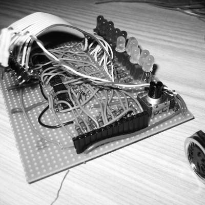 The electronics were initially built on a breadboard. After this, a perfboard was used, as you can see here.