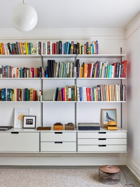 10 Storage Ideas to Steal from an Artfully Organized Apartment in New York City, New York City, NY