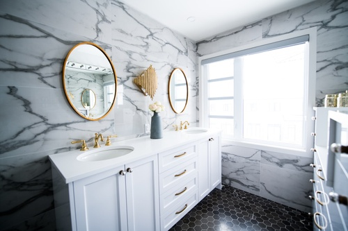 Image of 6 Budget-Friendly Bathroom Upgrades Every Renter Should Do After Moving In