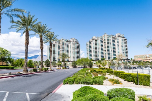 Image of Which Las Vegas Neighborhood is Better: Summerlin or Green Valley?