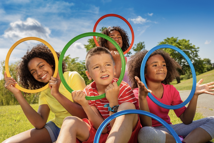 kids with Olympic rings
