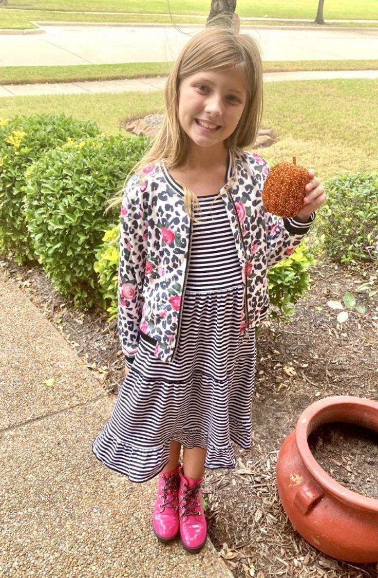 Girl wearing a kidpik outfit