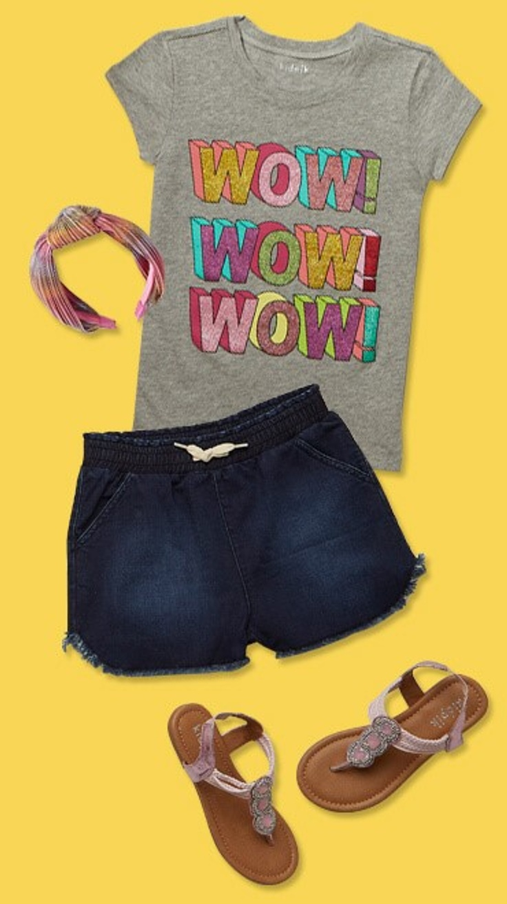 """Wow!"" shirt and shorts"