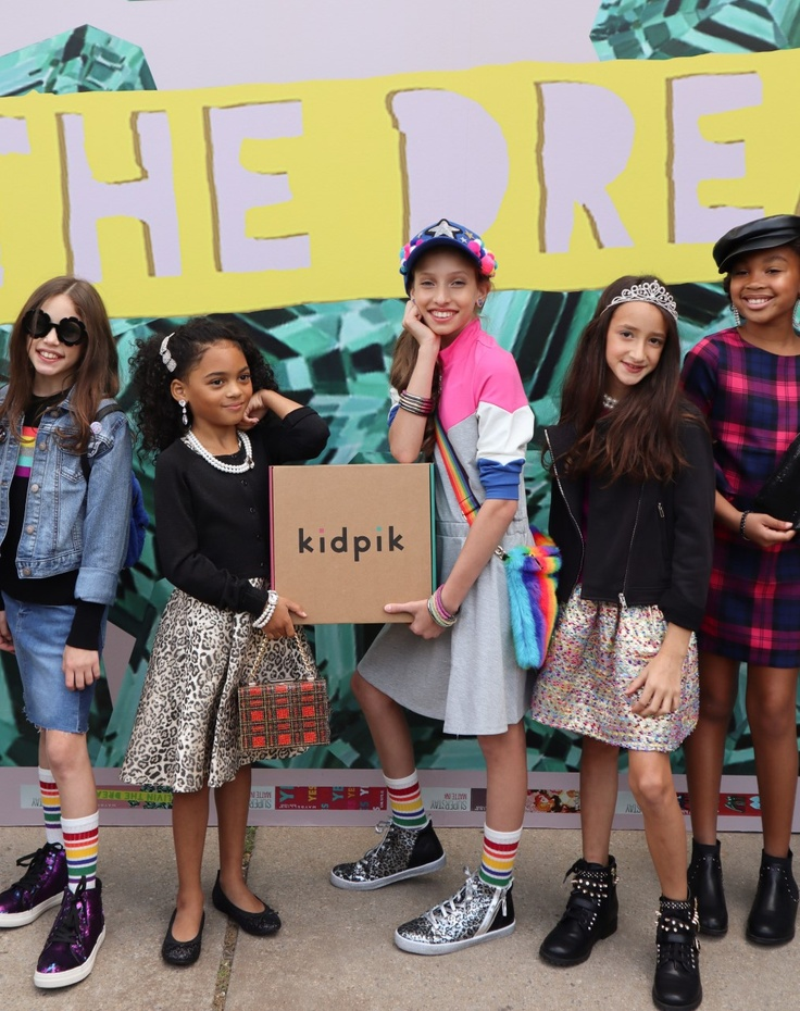 girls with kidpik subscription box