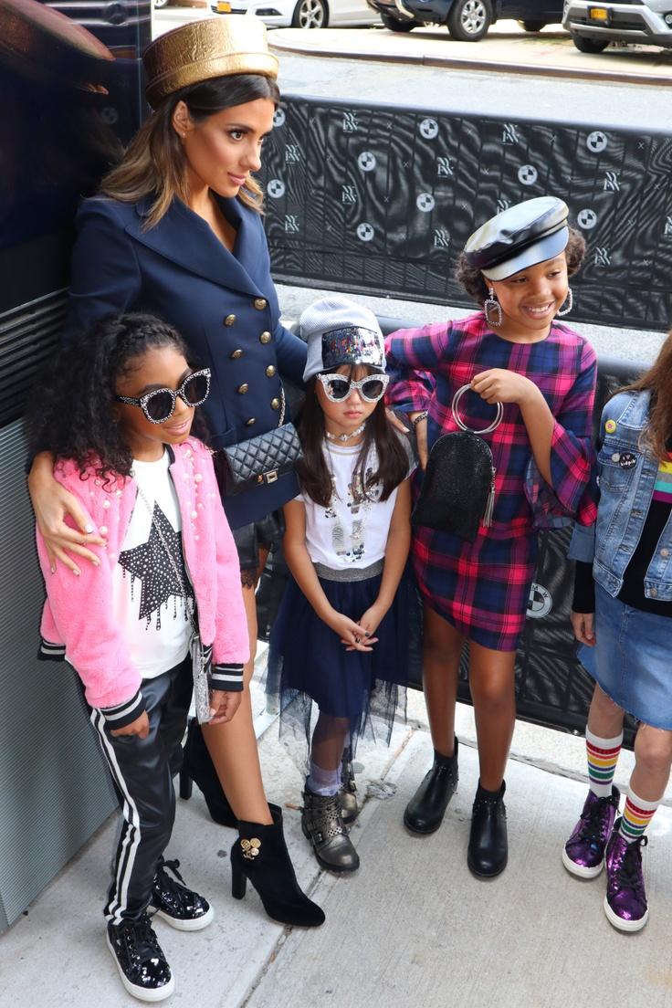 Girls modeling for kidpik