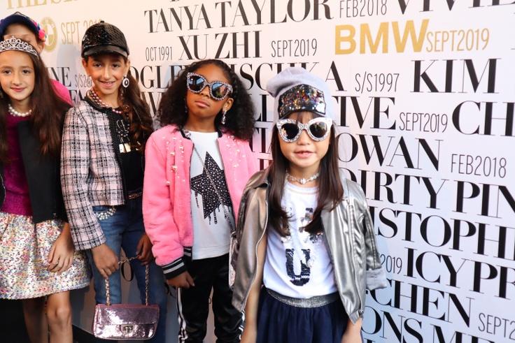 Fashionistas in kidpik clothes