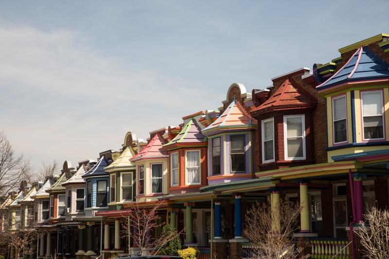 baltimore-row-of-houses-autumn.jpg