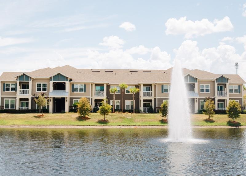 orange-park-rental-complex-in-jacksonville